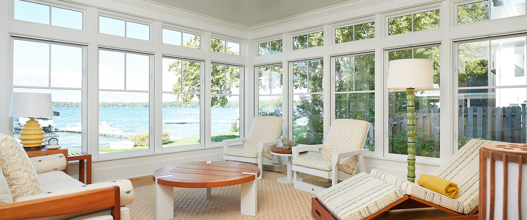 Lakefront cottage sun room